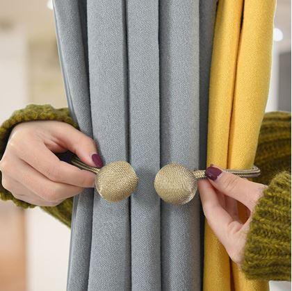 Obrázek z Magnetická spona na závěsy - béžová