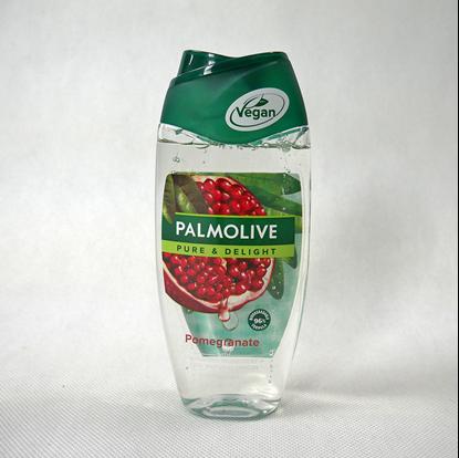 Sprchový gel průhledná lahvička s barevnou etiketou na bílém pozadí