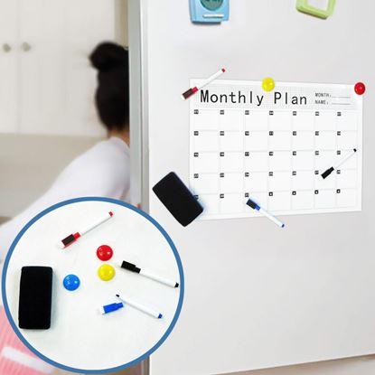 kalendář na lednici